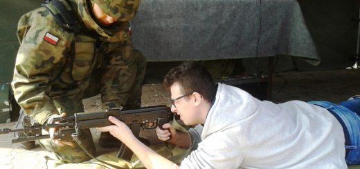 militarny piknik w wesolej 01