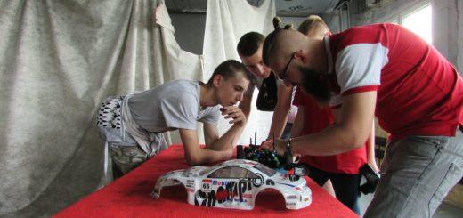 wystawa modeli samochodow sterowanych radiem 01